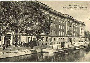 210512 Prinsengracht_met_gerechtshof,_Amsterdam_(ansichtkaart)